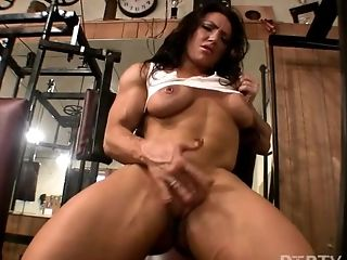 Muscle Honey Brandimae Plays With Her Cootchie