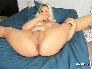 Amazing Blonde Coed In Fledgling Porno Vid