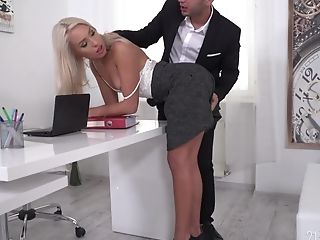 Angelika Grays Gets Dual Penetrated And Takes Two Spunk Shots