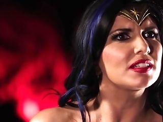 Wonder Woman Gets Jism From Her Supah-heroes Friends