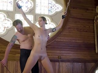 Getting Her Cunt Massaged With A Electro-hitachi Makes This Honey Glad