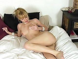 Solo Sweetie Angie Savage Has To Scream While She Masturbates With Playthings