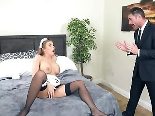Supah-hot Britney Amber Plays With Magic Wand Then Rails A Phallus