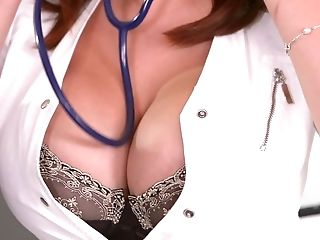 Big-chested Nurse Tigerr Benson Likes A Duo Of Hard Pricks