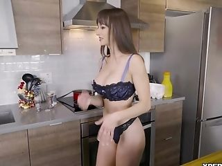 Fuck Me! Lexi Luna Must Be The Best Mom On This Planet!