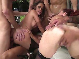 Pro Porno Model Eveline Dellai Takes Part In Crazy Group Fuck-fest