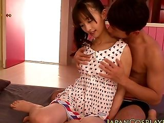Japanese Honey Squirting While Fingerblasted