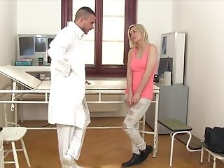 Sexy Blonde Female Zazie Skymm Comes To Have A Check-up To The Medic's