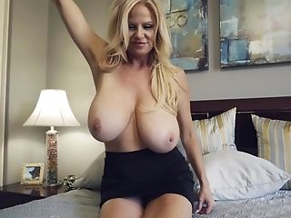 Huge-boobed Mummy Sex Industry Star Kelly Madison Solo Flick