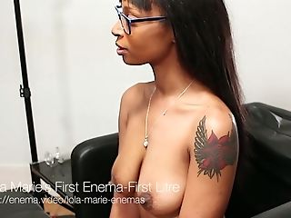 Horny Black Chick Wants Her Paramour To Give Her An Clyster On Camera