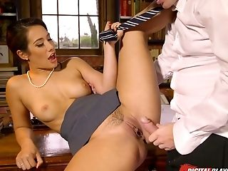 Jaw Ripping Off Stunner Eva Lovia Gets Drilled Well In The Library