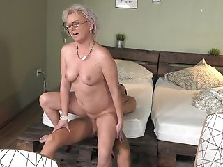 Auntie Likes The Youthful Inches Hitting Her G Spot So Fine