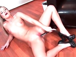 Gam Spread Blonde Fucking Herself Naked On The Floor