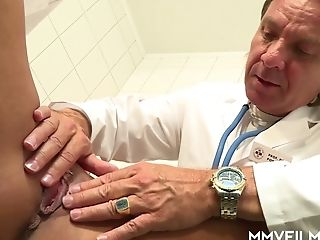 Horn-mad Suntanned German Fuckslut Curly Ann Gets Screwed Aggressively By Gynecologist