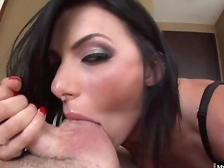Juelz Ventura Shows Her Big Jummy Tits And Deep-throats Dick