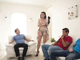 Never-to-be-forgotten Blowbang With Hot Friend's Mommy Sovereign Syre