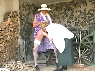 Granny Bbw Awarding Her Fellow With Superb Blow-job