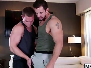 Hunky gay couple enjoys deep felching