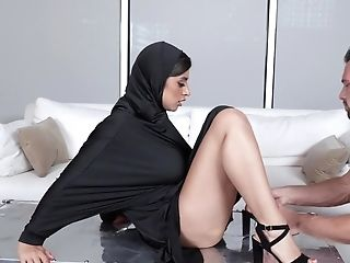 Dark-haired Sweetheart In Hijab Gets Banged By Muscular Stud