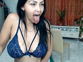 Venezuelan Matures Quick Dildoing Twat And Spreads Giant Booty