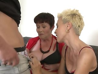 Youthful Stud Agrees To Fuck Ciara And Other Chicks At The Same Time