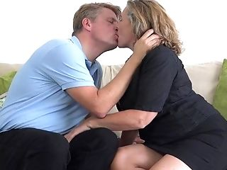 Big Jugged Mom Camilla Fucks Sugar Mentor
