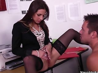 Lucky Boy Is Ready To Eat Her Raw Vagina In The Office