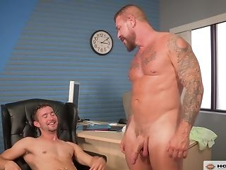 Teenage Fag Dude Pounded By His Future Manager In An Office
