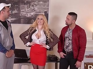 Buxom Cougar Angel Wicky - Group Sex Flick