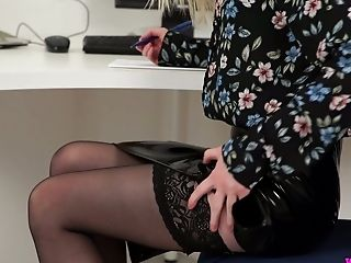 Super-naughty Assistant Gracie Shows Off Her Muff And Booty In The Office