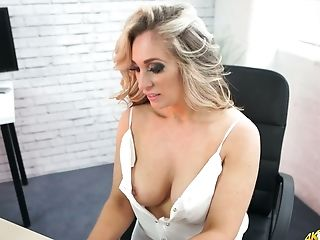Blonde Kellie O Brian And Her Supah Perky Hard Nips Popping Out Of Her Half-top