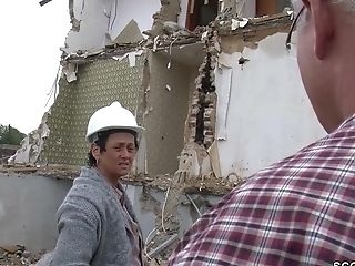 Alter Sack Fickt Geile Mutti Direkt Auf Der Baustelle