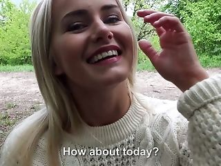 Buxom And Captivating Blondie Gets Fucked From Behind In The Park