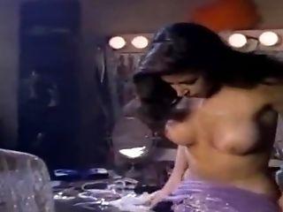 Girl gets fucked in tub XXX