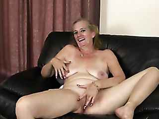 Interview With A Super-cute Matures Lady That Masturbates