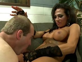 Thick Tits Shemale Fucks Tied Man